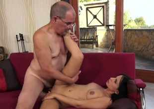 Teen hooker is good on her way to satisfy her hot fuck buddy in hardcore action