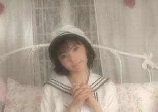 DAIMATSU Yuyu in sailor costume