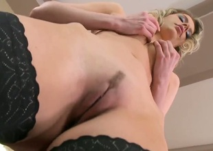 Blonde Marilyn Cole cant live a day without dildoing her love hole