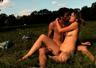 Teen couple\'s outdoor sex