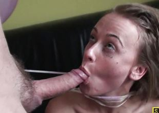 Amateur babe sprayed with thick cum