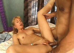 Wild golden-haired lady has a dirty old guy banging her cunt like she desires