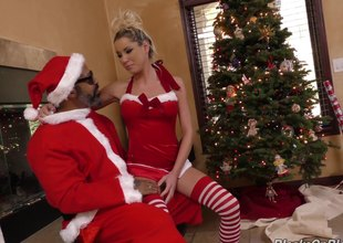Horny white girl visits black Santa to get some holiday cock
