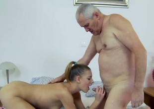 Brunette Berinice gagging on dudes throbbing rod