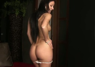 Melisa Mendiny with bald pussy gets nude for your viewing pleasure in solo scene