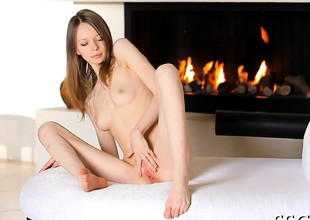 Naughty beauty is having an astounding time with her pussy