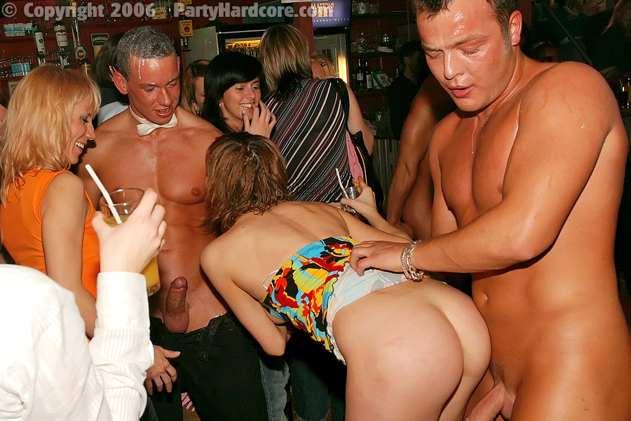 Drunk party girls giving head