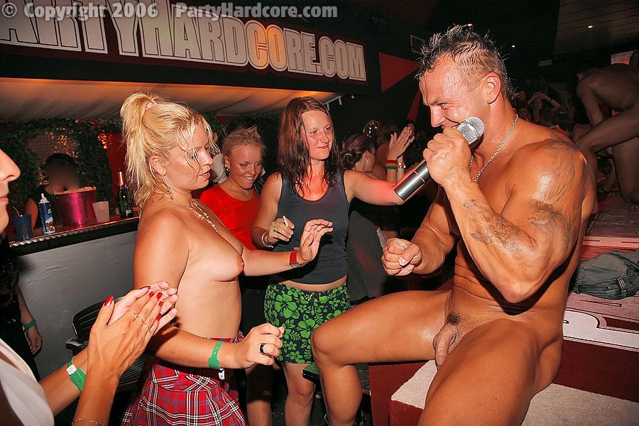 гей вечеринка со стриптизёрами